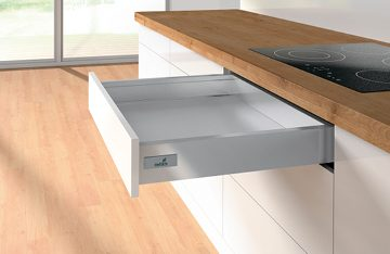 All drawers fully extendable to 470mm