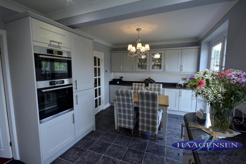 Bella Shaker Door in Oakgrain Grey