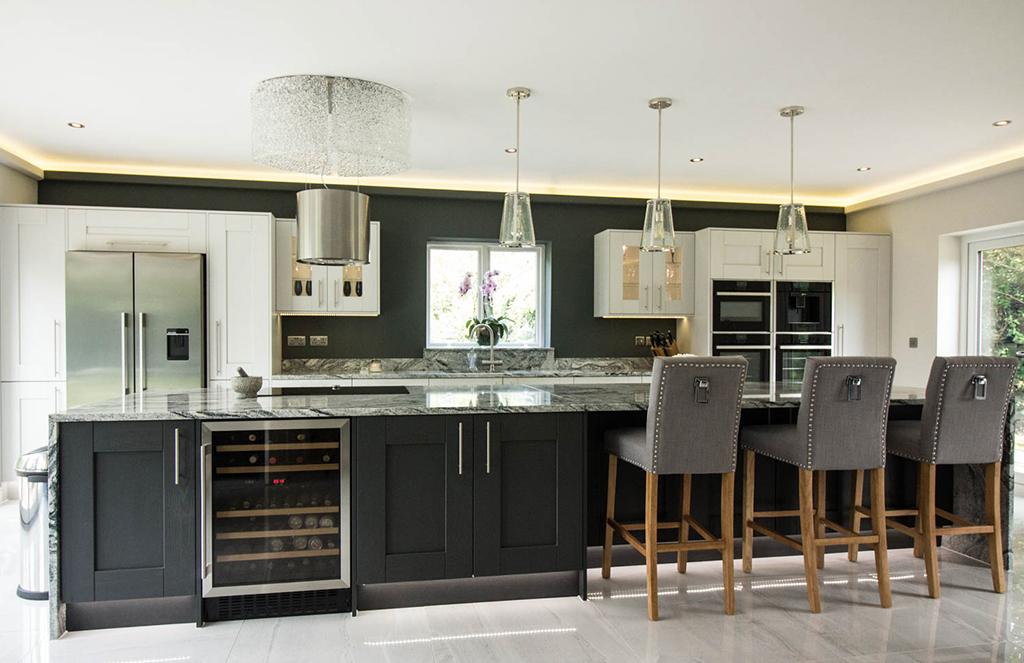 Pronto Wilton door in Light Grey & Oakgrain Graphite