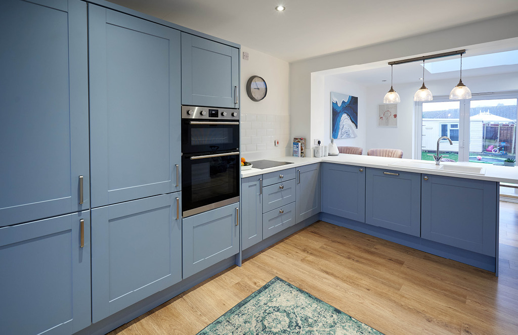 Matt Denim Aldridge Kitchen … as seen on on 'Kirstie and Phil's Love It or List It'